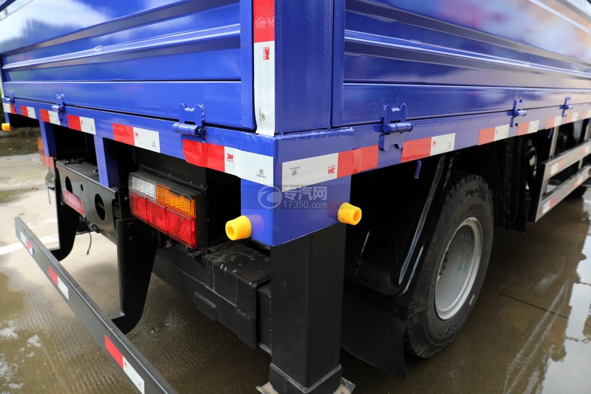 大运奥普力5吨直臂随车吊(蓝色)货箱细节