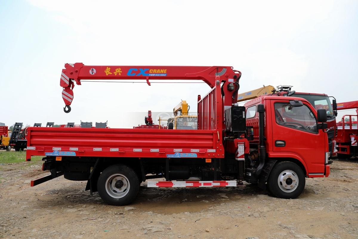 东风多利卡D6长兴3.5吨直臂随车吊右侧图