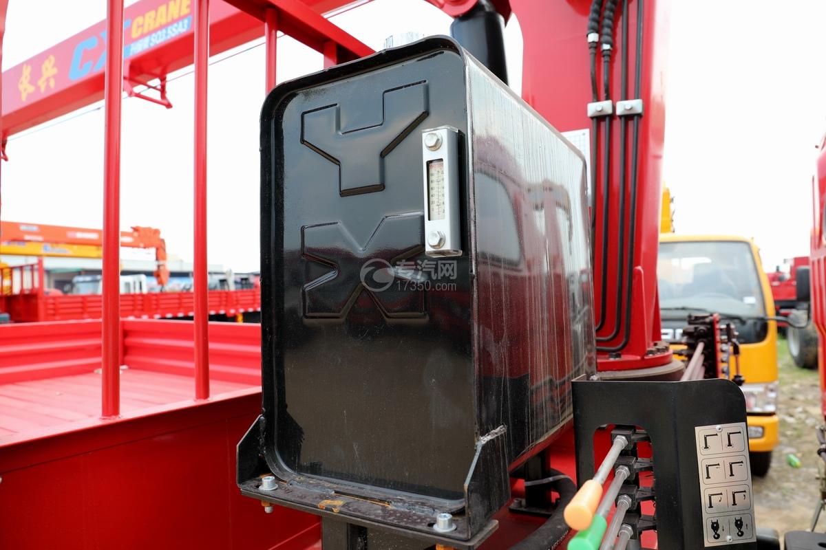 东风多利卡D6长兴3.5吨直臂随车吊液压油箱