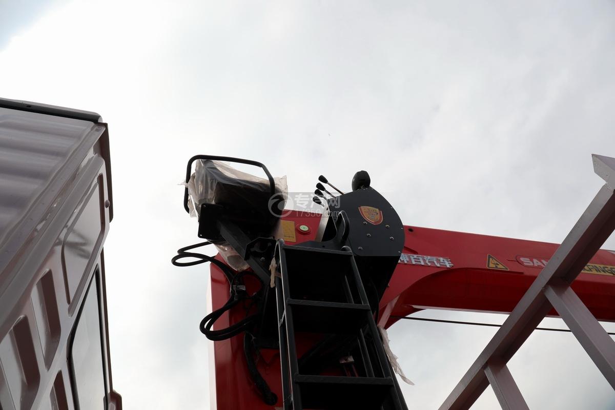 陕汽德龙新M3000前四后八国六14吨直臂随车吊高空操作