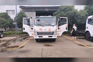 大运国六勾臂带压缩式垃圾车配置及作业视频