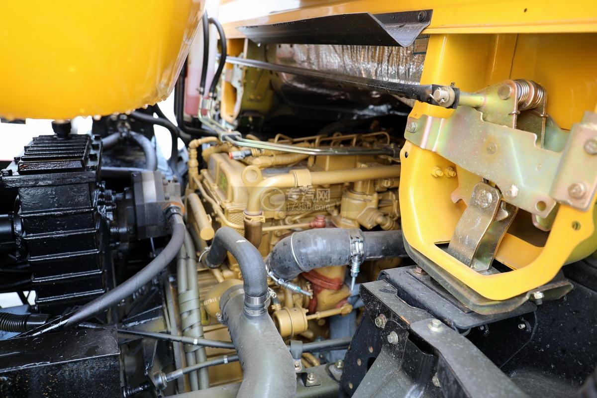 东风多利卡D7国六清洗吸污车(一体式罐体)发动机