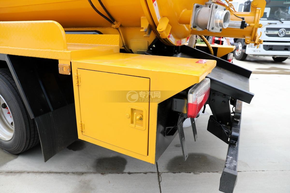 东风多利卡D7国六清洗吸污车(一体式罐体)工具箱