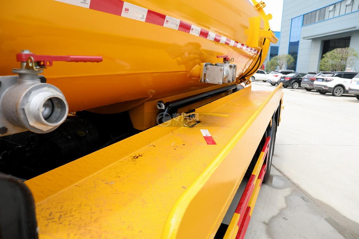 东风多利卡D7国六清洗吸污车(一体式罐体)安全平台