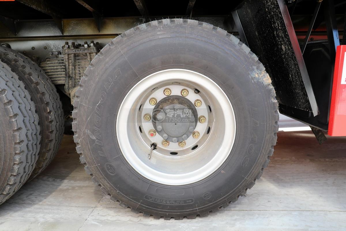 东风柳汽乘龙H5后双桥14吨直臂随车吊轮胎