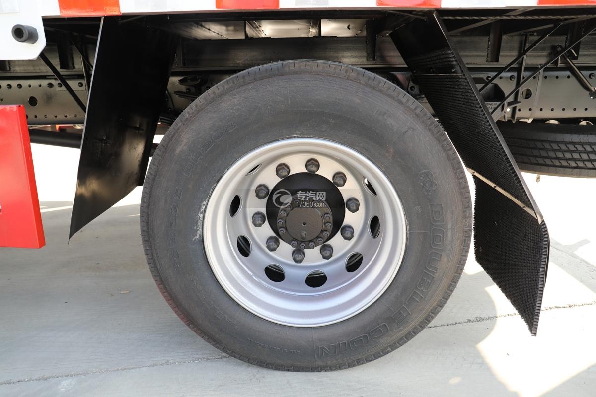 东风天锦国五6.7米气瓶运输车轮胎