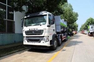重汽豪沃前四后八国六车厢可卸式垃圾车图片