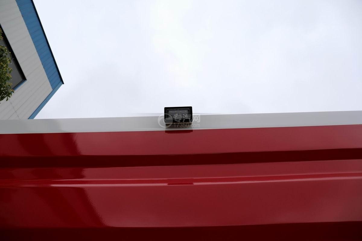 慶鈴五十鈴FVZ后雙橋泡沫消防車頂部示廓燈