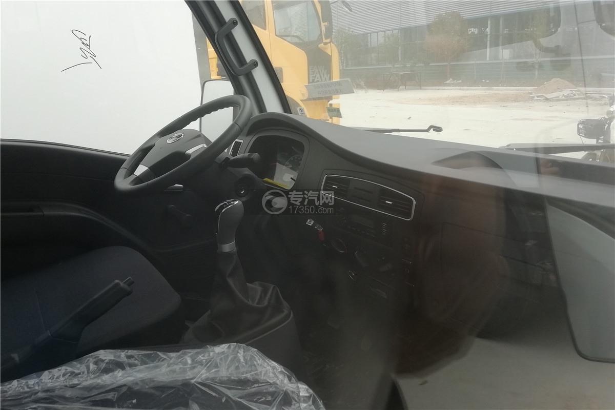 躍進小福星S70國六3.2米醫療廢物轉運車駕駛室