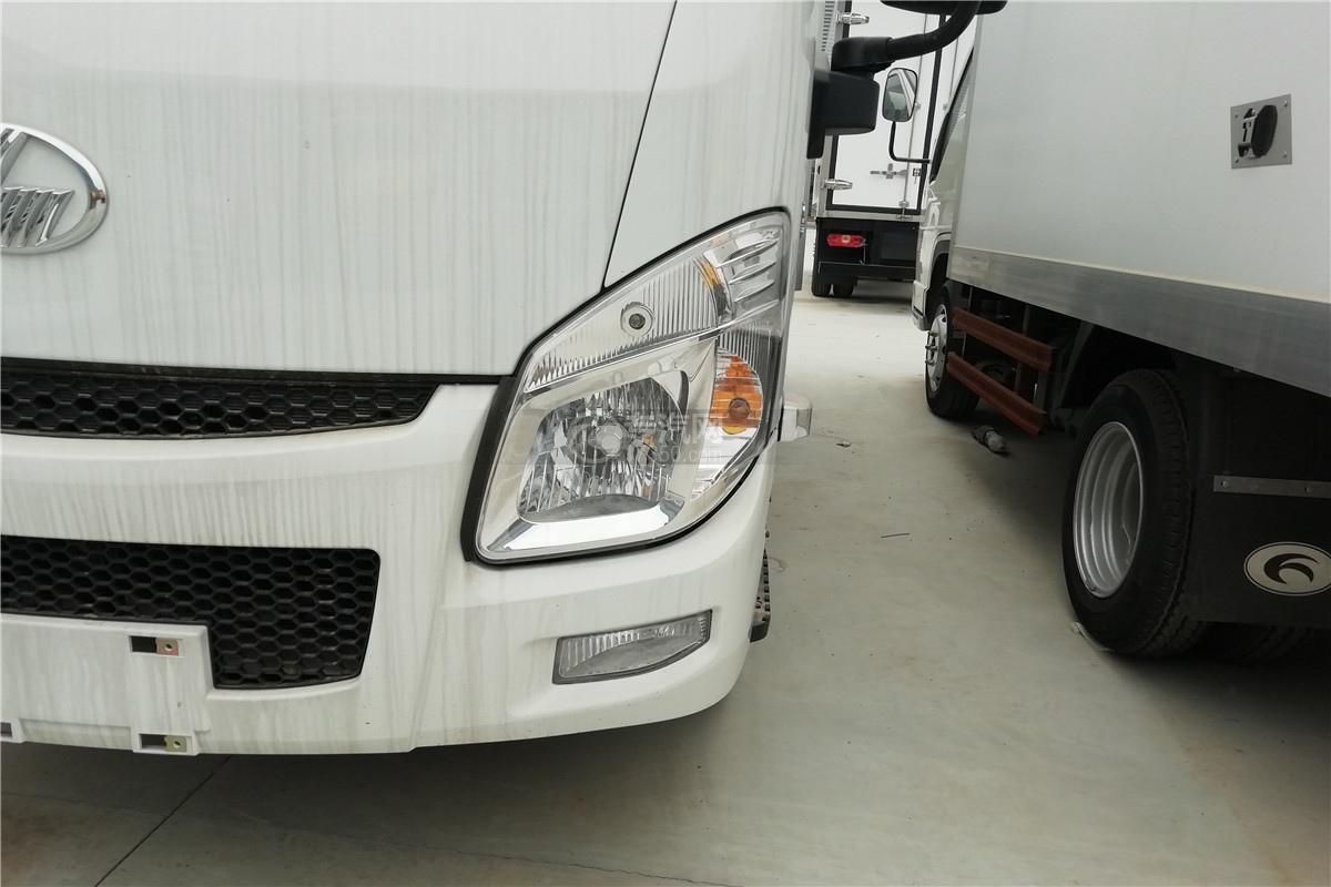 躍進小福星S70國六3.2米醫療廢物轉運車左大燈