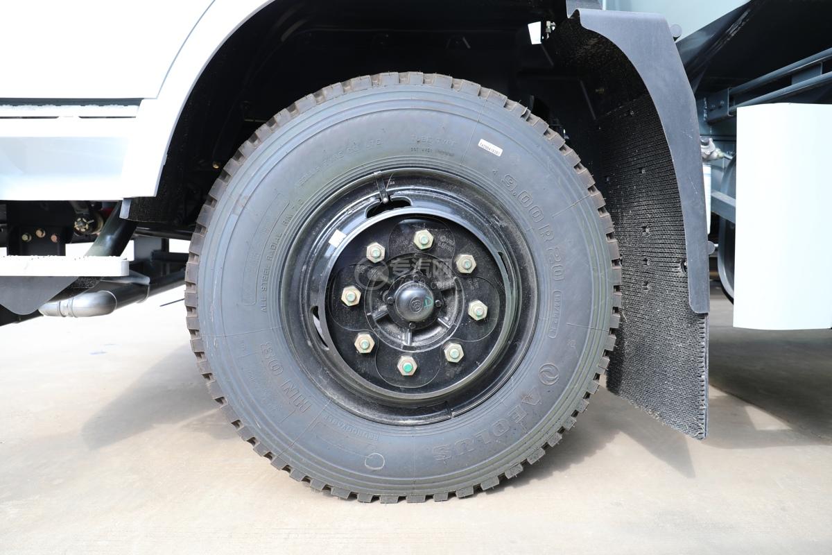 东风专用畅行D3国五10.08方绿化喷洒车轮胎