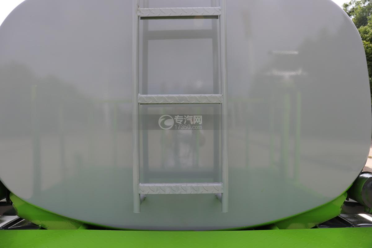大运新奥普力国六5方防役消毒洒水车爬梯