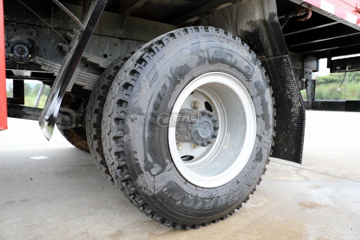大运新奥普力国六5吨直臂随车吊轮胎