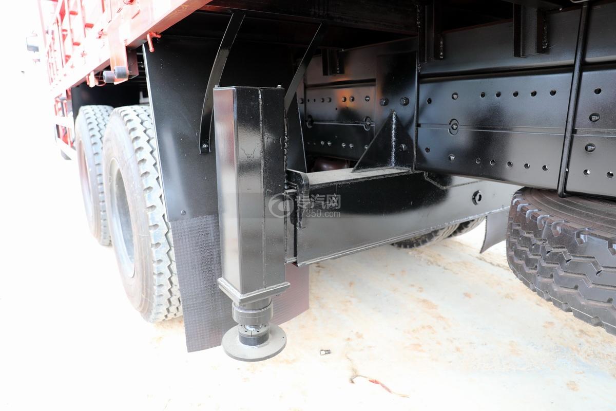 東風華神F5后雙橋12噸直臂隨車吊后支腿