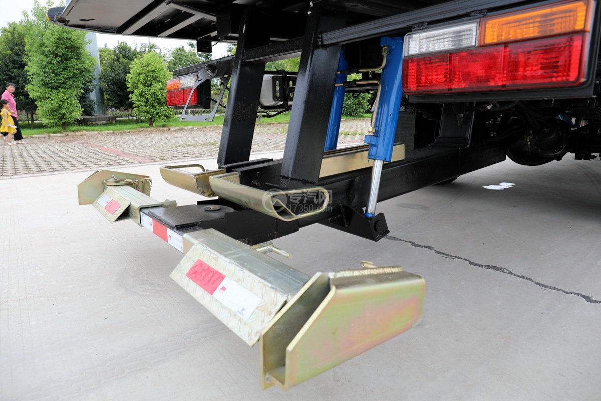 大運奧普力國六4400軸距一拖二清障車后托舉裝置