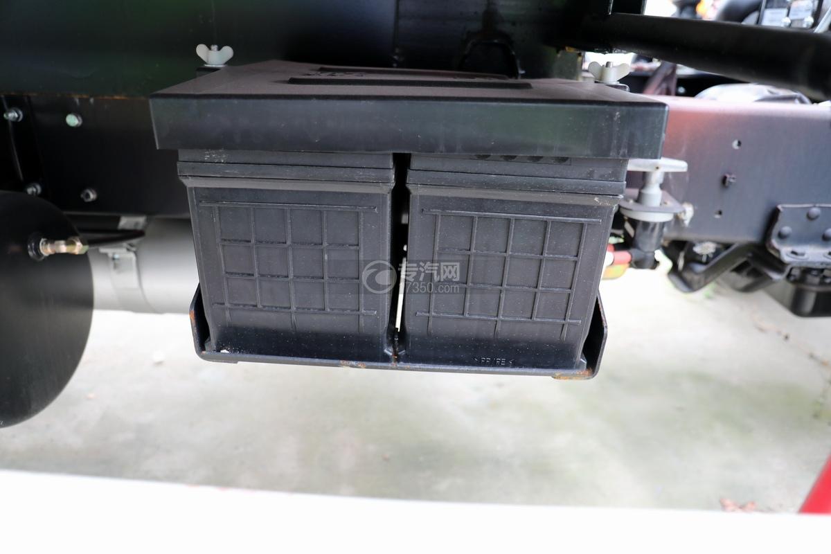 躍進開拓H100國六清洗吸污車蓄電池