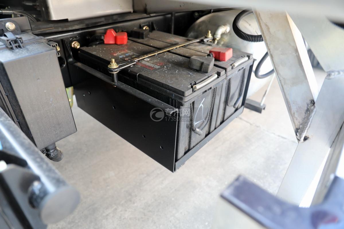 东风多利卡D7国六畜禽运输车蓄电池