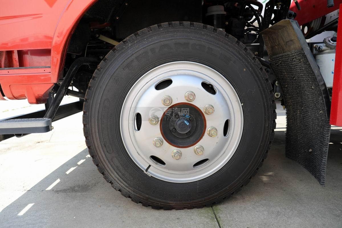 奥驰V3国六散装饲料运输车轮胎