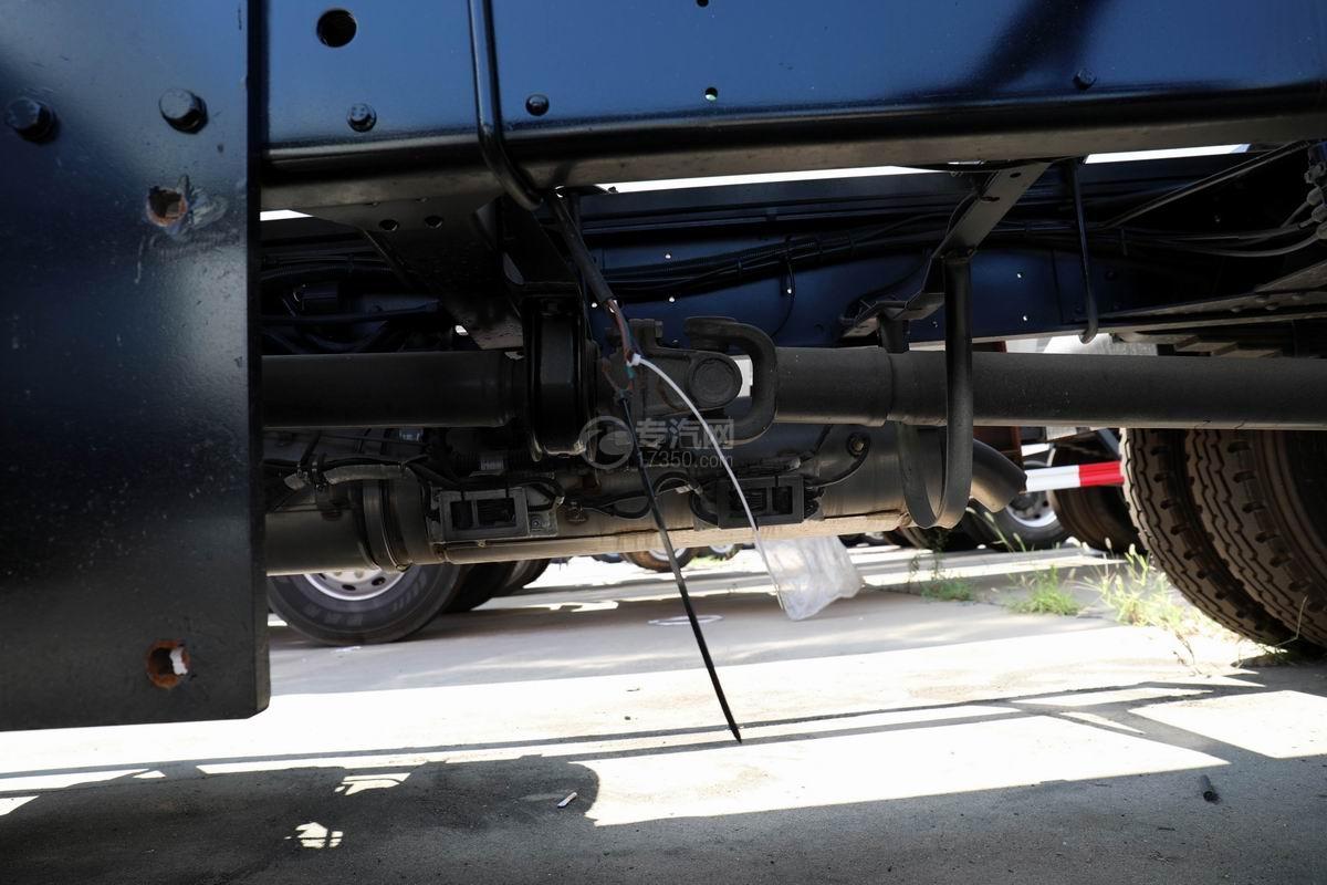 奥驰V3国六散装饲料运输车传动轴