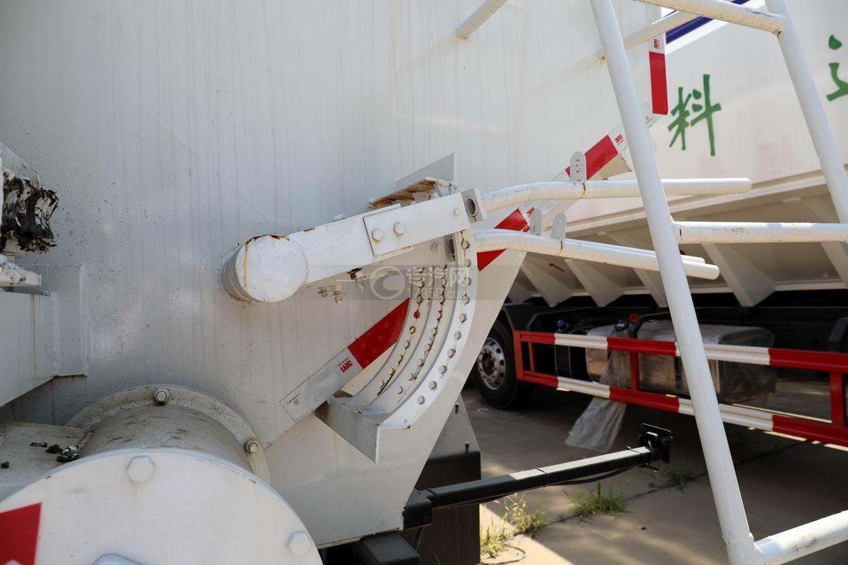 奥驰V3国六散装饲料运输车卸料操作杆
