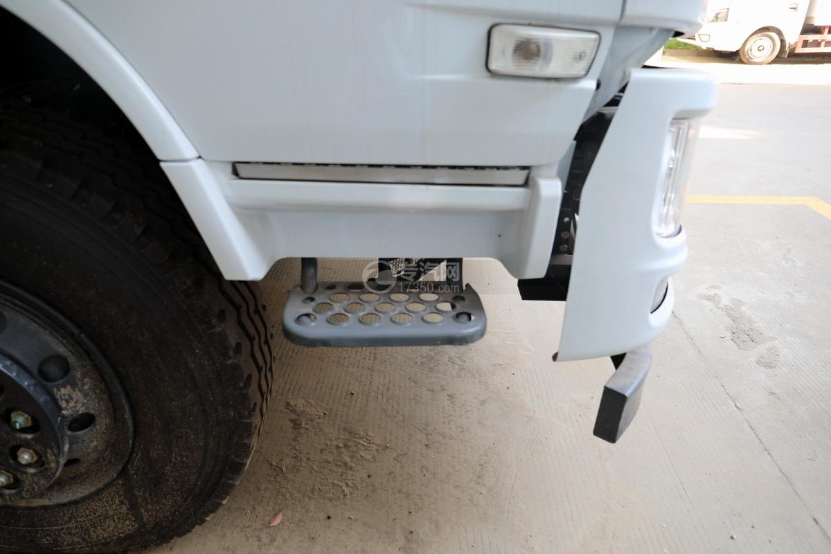 东风华神F5小三轴国五5.98方搅拌车驾驶室上下踏板