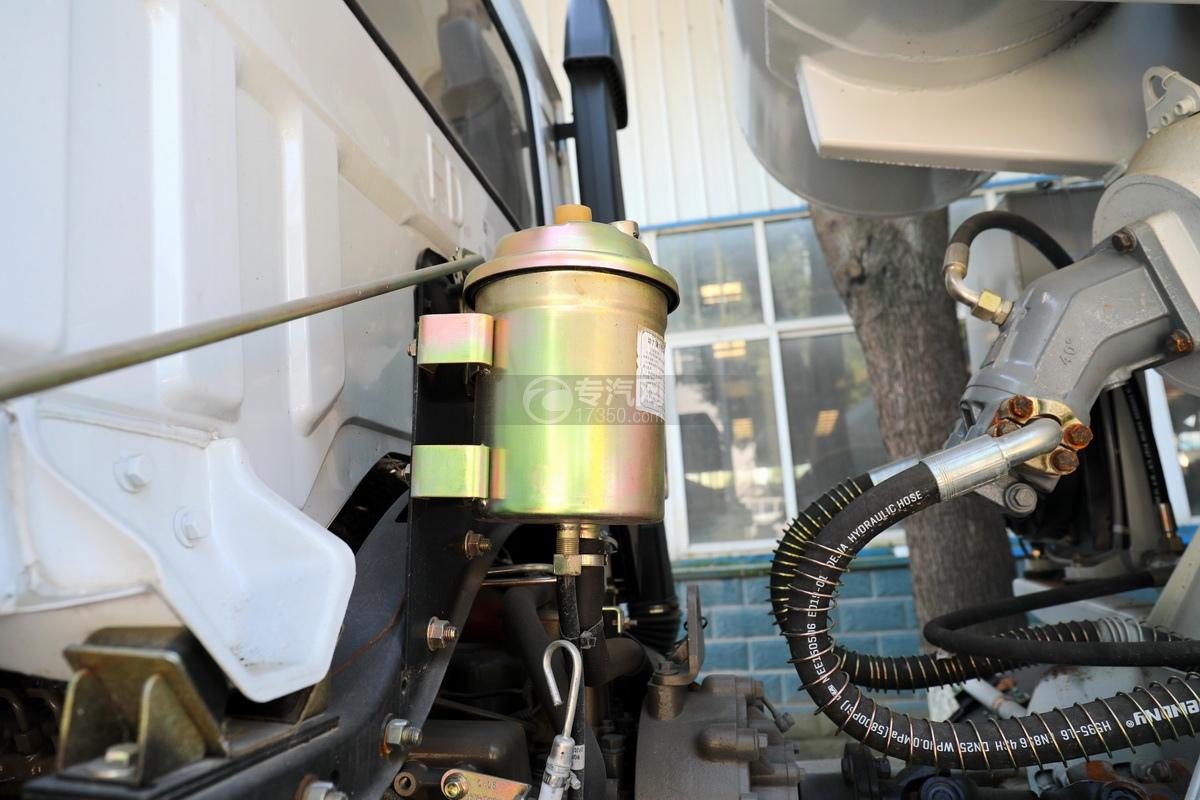 东风华神F5小三轴国五5.98方搅拌车动力转向