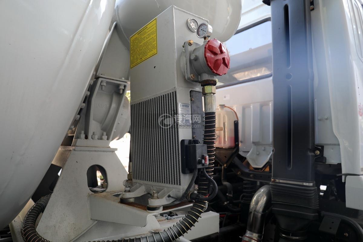 东风华神F5小三轴国五5.98方搅拌车散热器