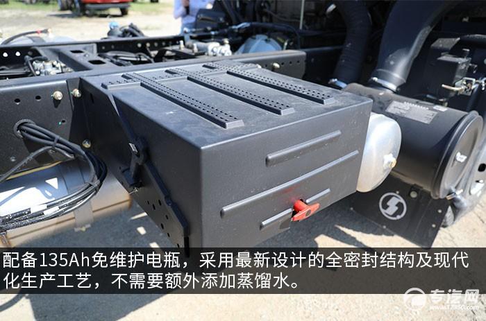 陕汽轩德翼6单桥220马力中卡评测蓄电池