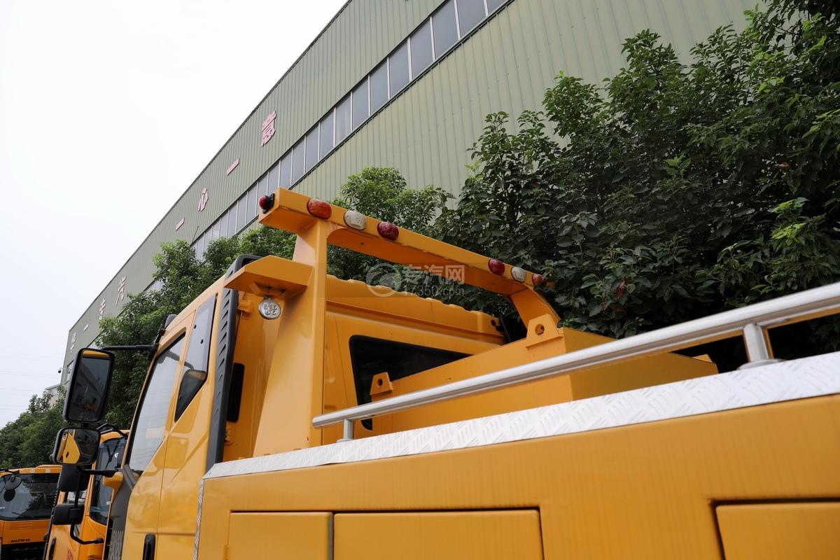 解放J6L单桥国五拖吊联体清障车(黄色)龙门架