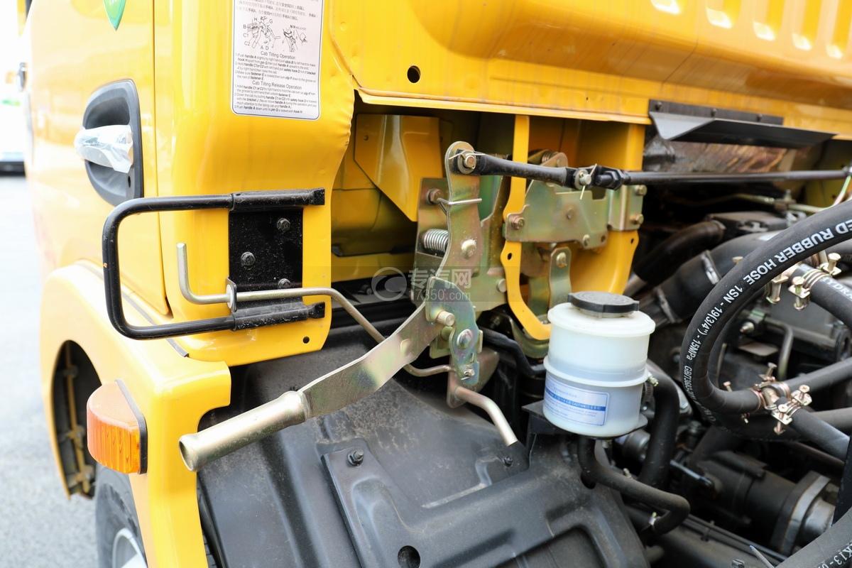 东风凯普特K7国六清洗吸污车(黄色)驾驶室翻转手柄