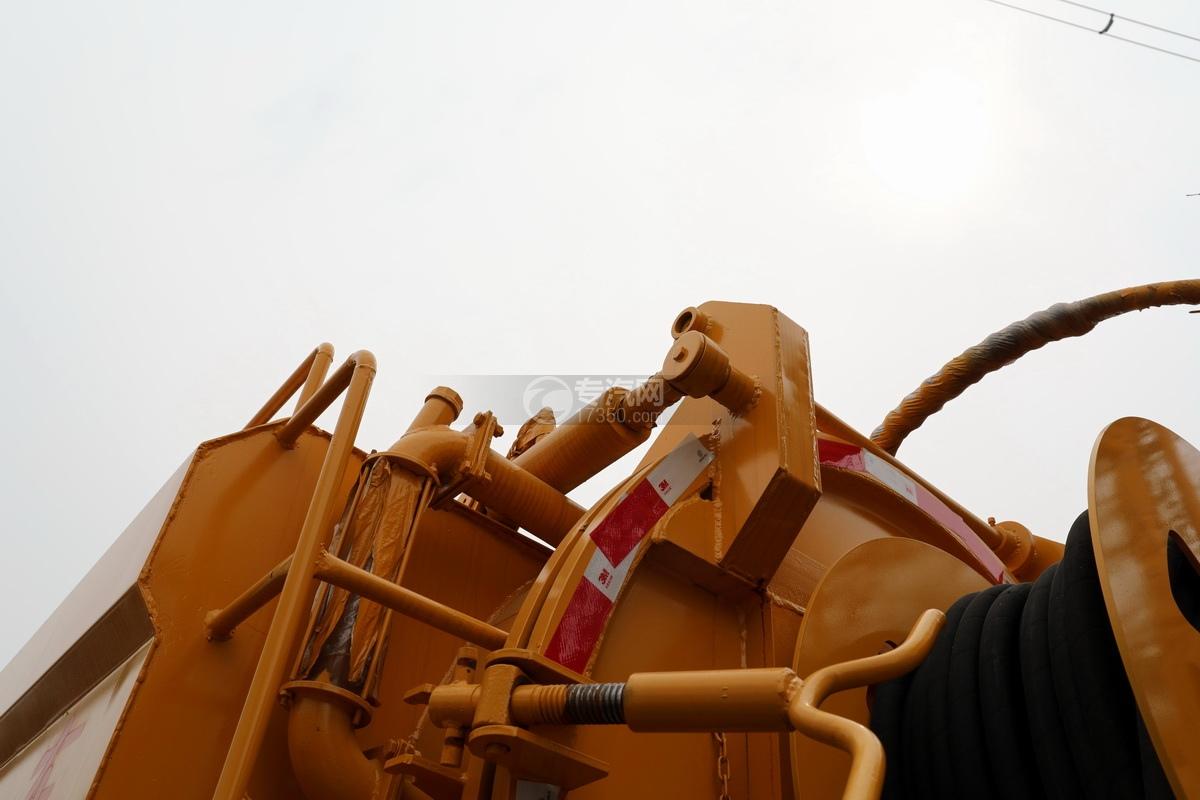 东风凯普特K7国六清洗吸污车(黄色)油缸