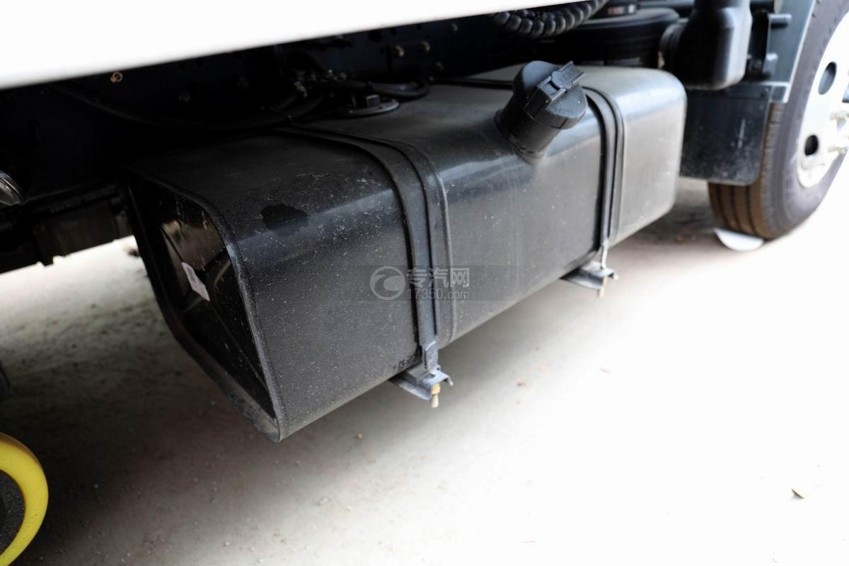 东风多利卡D6国六6方吸尘车油箱