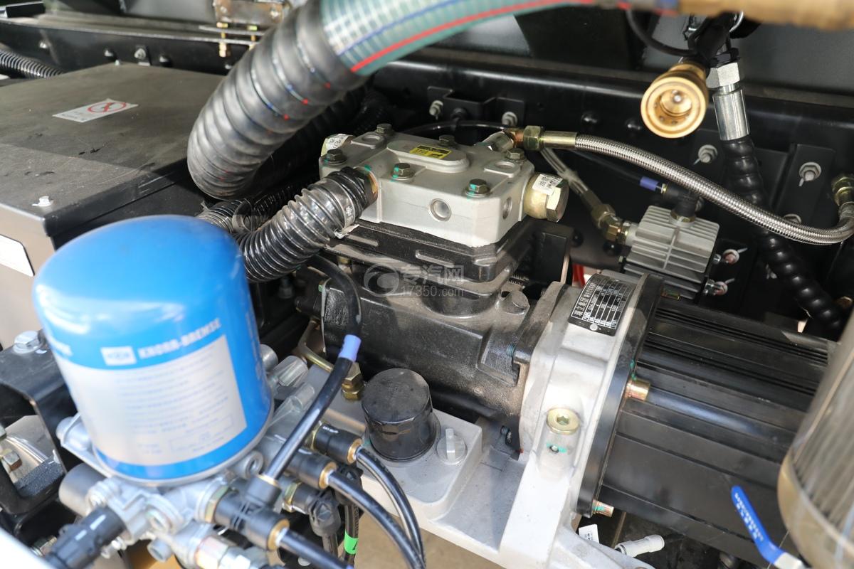 比亚迪T8纯电动路面清洗车发动机
