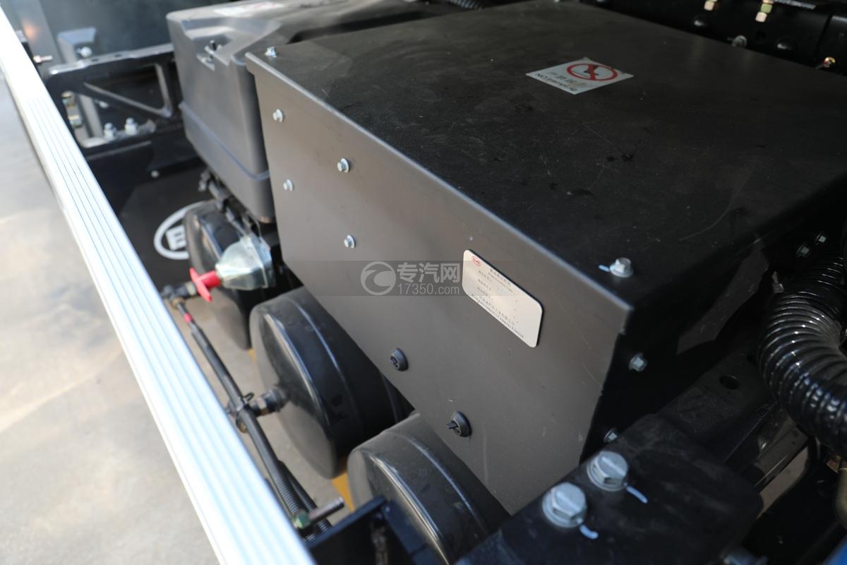 比亚迪T8纯电动路面清洗车储气罐