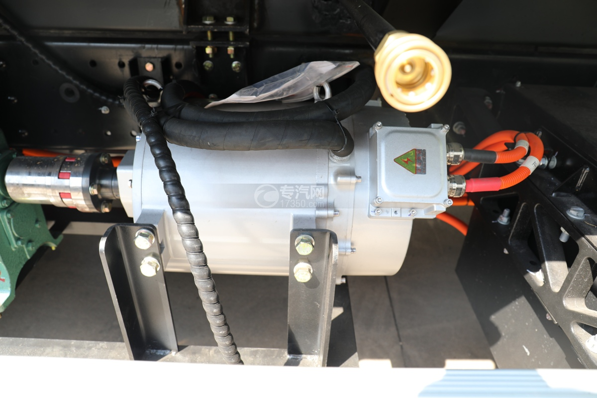 比亞迪T8純電動8.46方路面清洗車轉換機