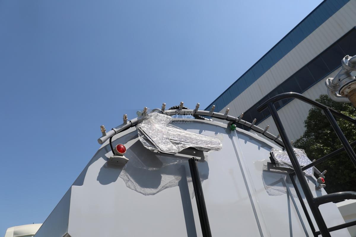 比亞迪T8純電動8.46方路面清洗車抑塵桿