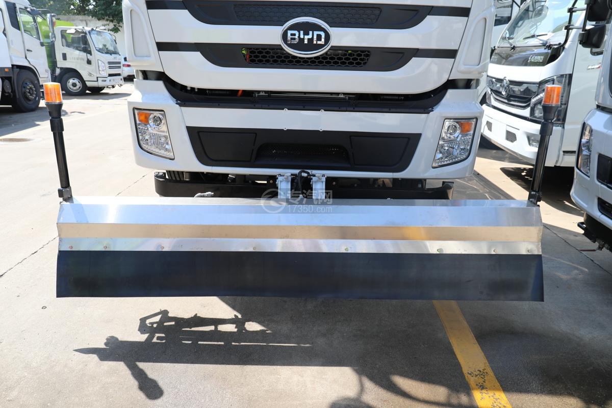 比亚迪T8纯电动路面清洗车冲洗架