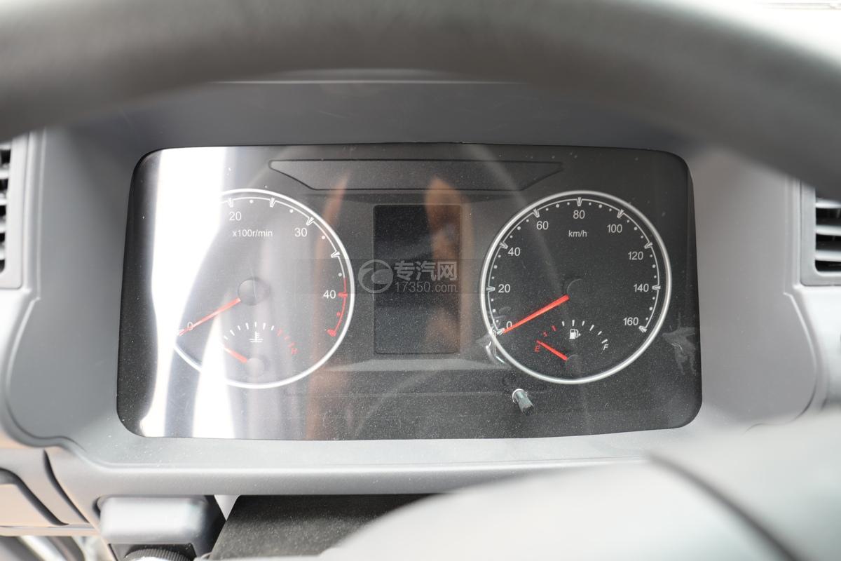五十鈴ELF雙排國六3.15米冷藏車儀表盤