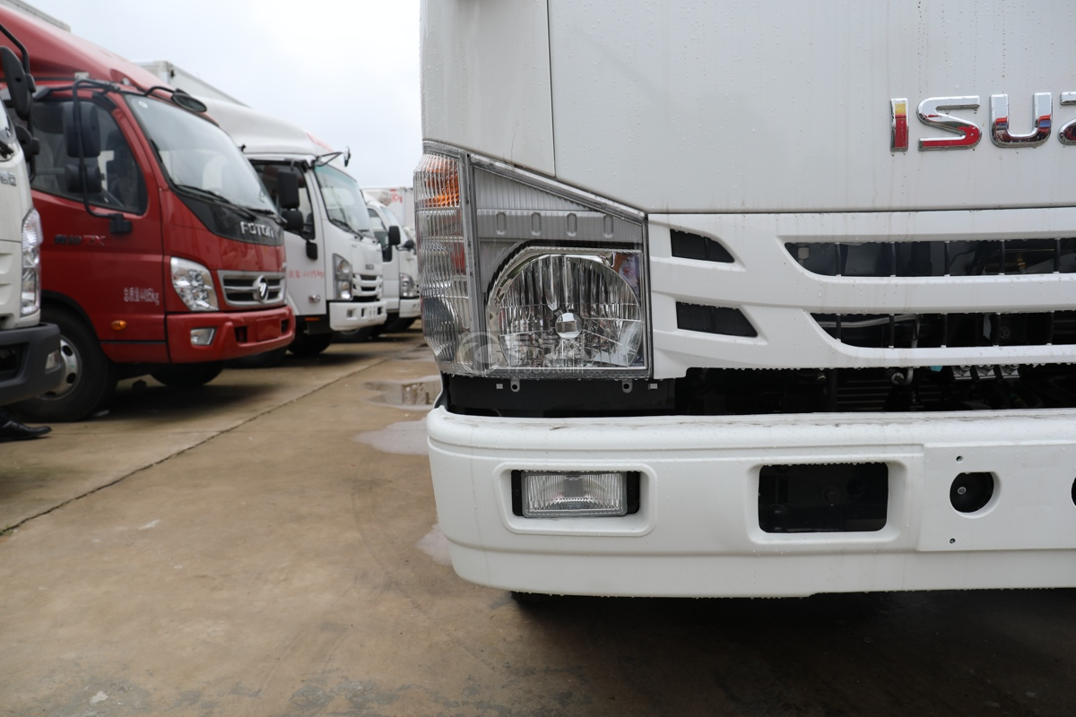 五十鈴ELF雙排國六3.15米冷藏車左大燈