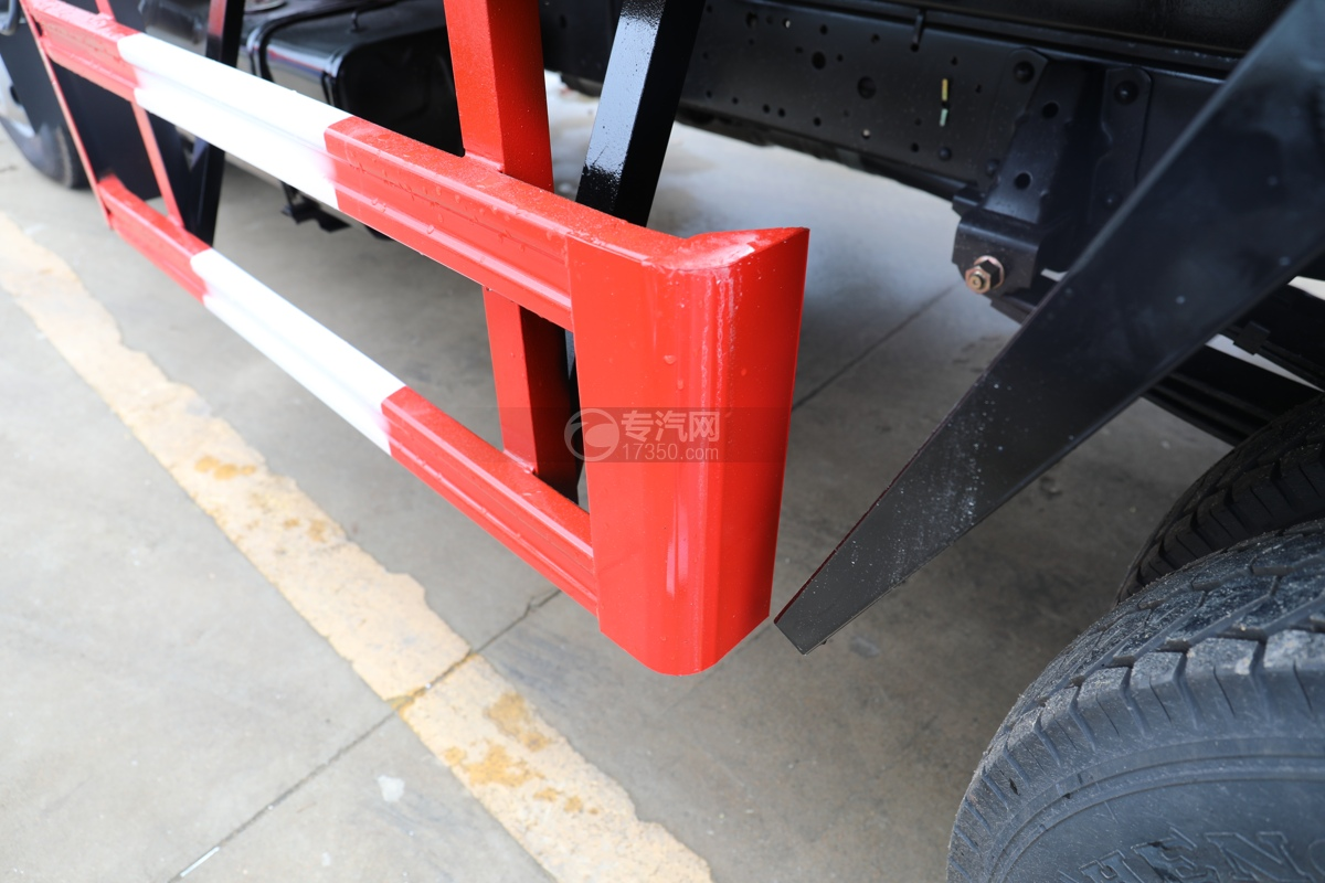 五十鈴ELF雙排國六3.15米冷藏車下防護