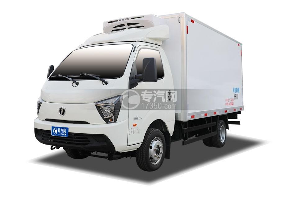 飛碟締途國六柴油版3.8米冷藏車