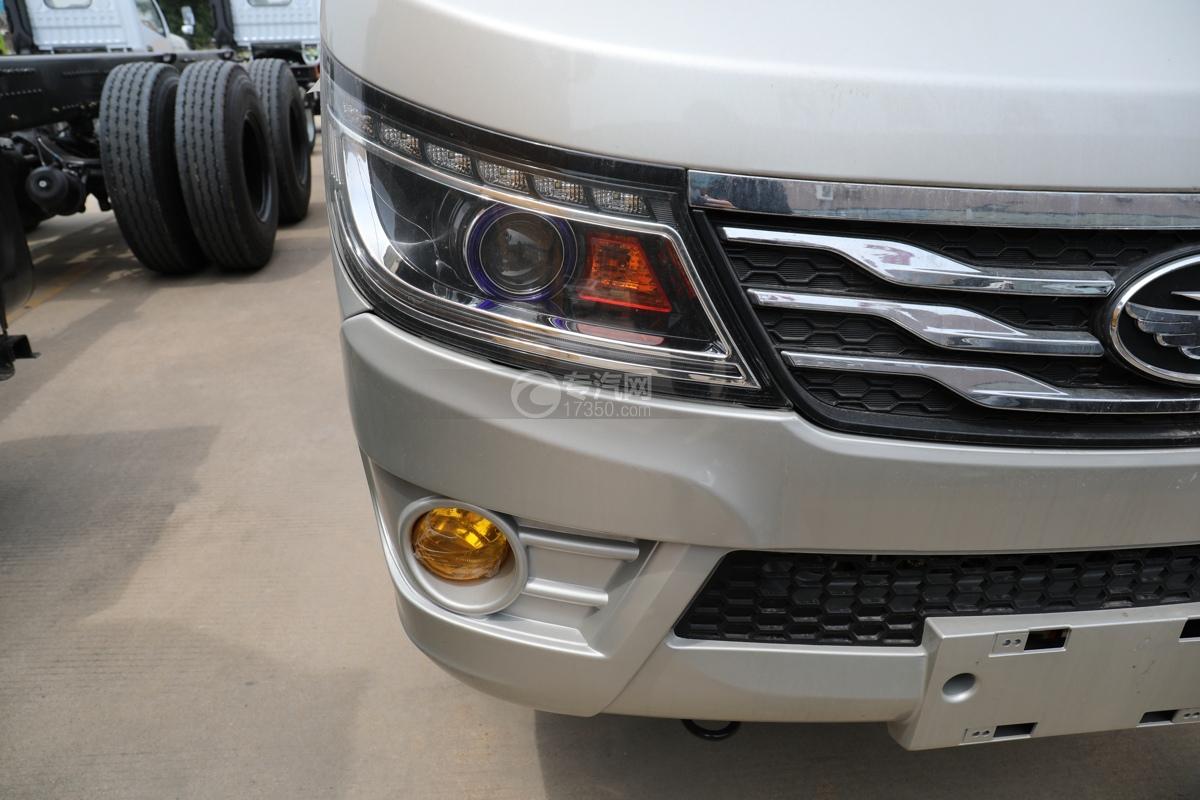 唐駿賽菱F3-1國六8米升降平臺式高空作業車右大燈