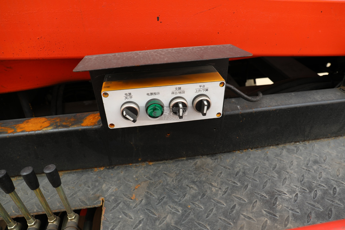 唐駿賽菱F3-1國六8米升降平臺式高空作業車電控操作盒
