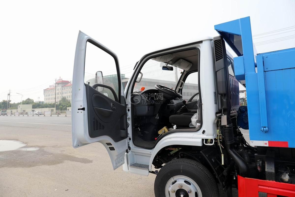 東風福瑞卡F6國六自卸式垃圾車駕駛室