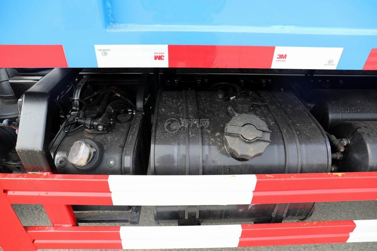 東風福瑞卡F6國六自卸式垃圾車油箱