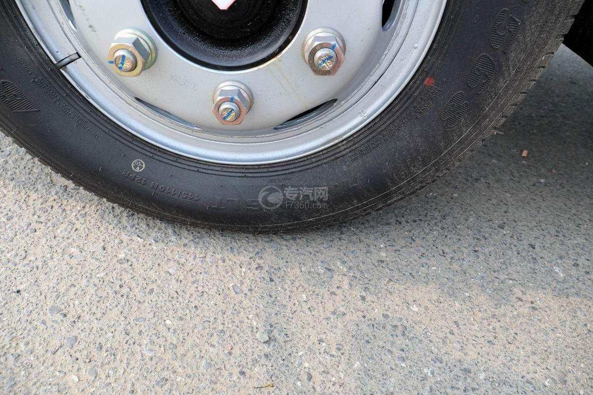 東風福瑞卡F6國六自卸式垃圾車輪胎規格
