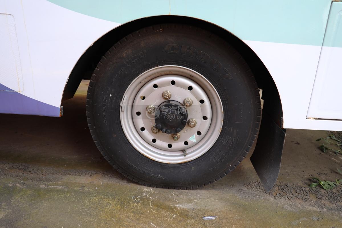福田欧马可E3513售货车轮胎