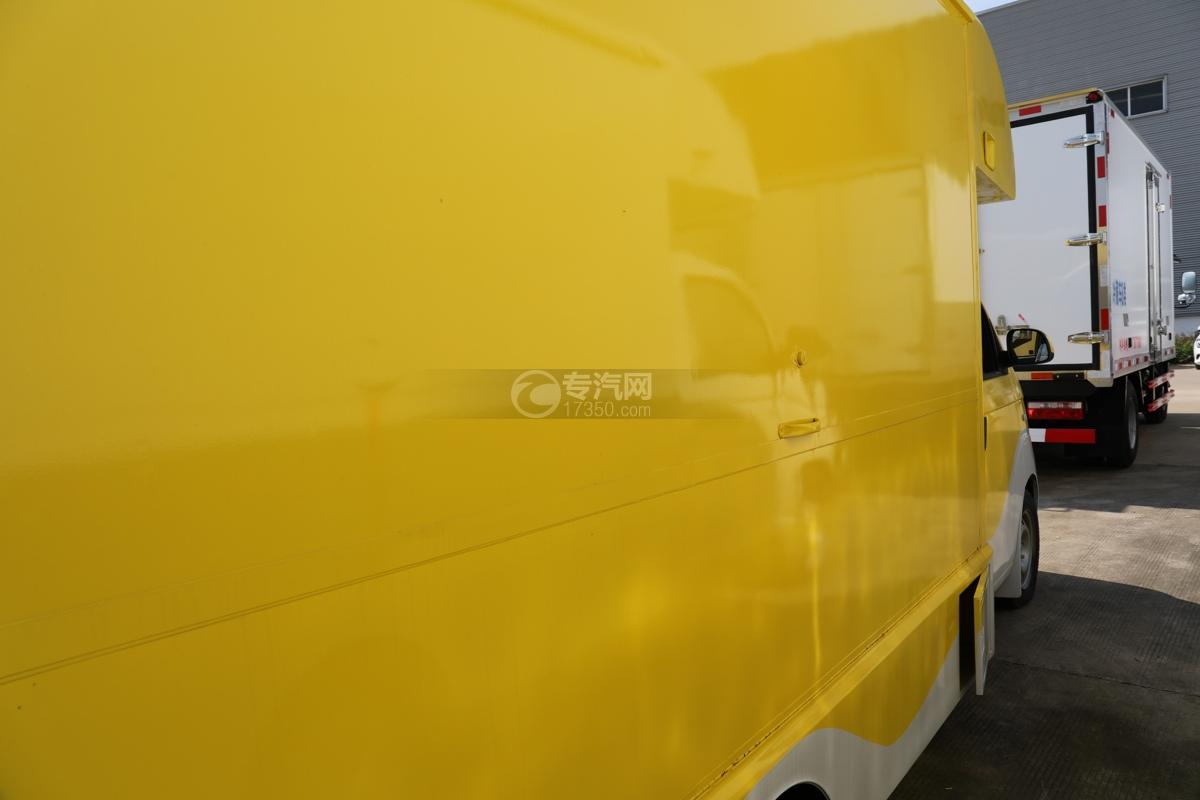 开瑞国六移动售货车侧门