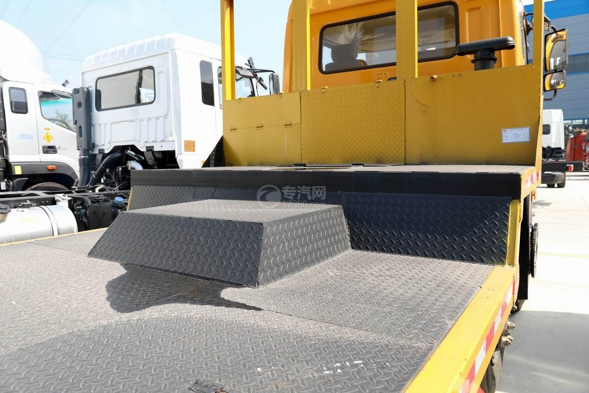 楚風小三軸凹平板運輸車上裝平板