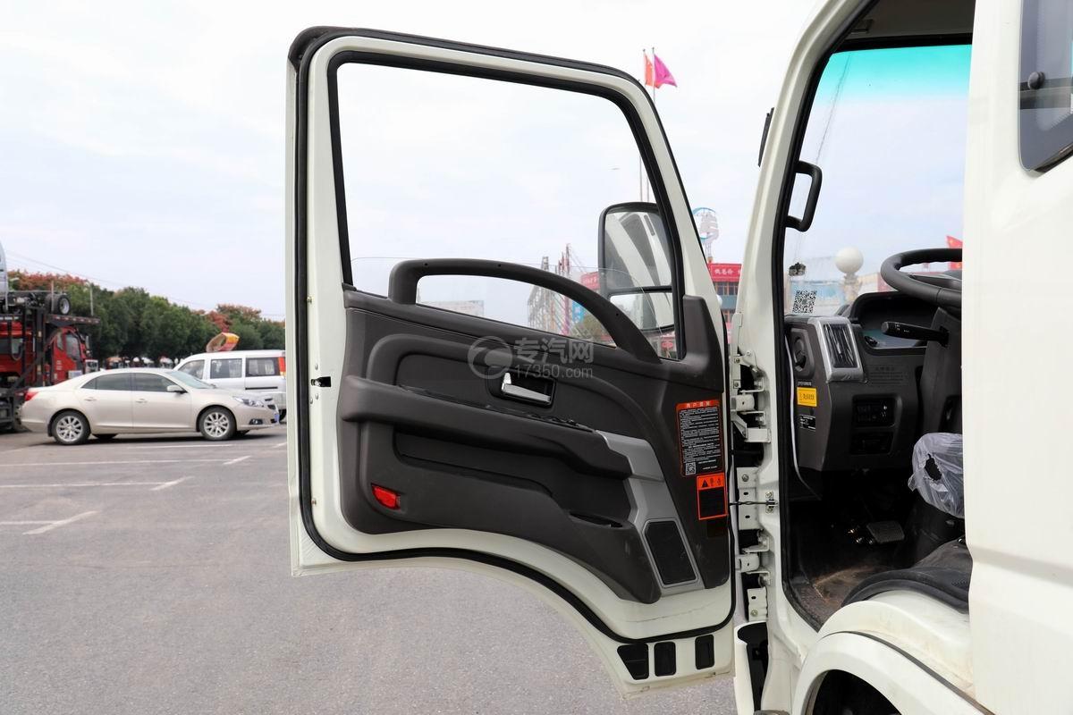 奧馳X2廂式垃圾車車門圖